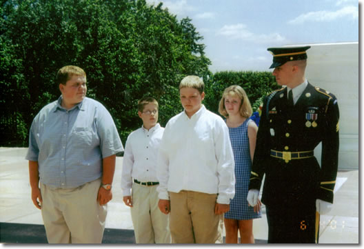 Kids at Tomb of the Unknowns
